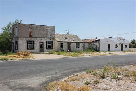 Del Rio Bar, Pecos, Texas | Nicolas Henderson | Flickr