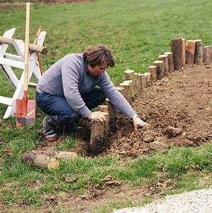 Rondin De Bois Pour Jardin : rondin de bois pour jardin 10 bordure en rondins ~ Edinachiropracticcenter.com Idées de Décoration