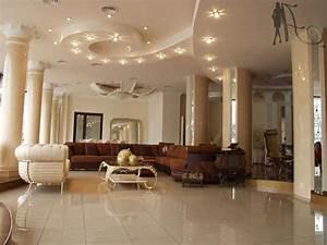 Lampen Wohnzimmer Decke : deckengestaltung im wohnzimmer erstaunliche abgeh ngte ~ Orissabook.com Haus und Dekorationen