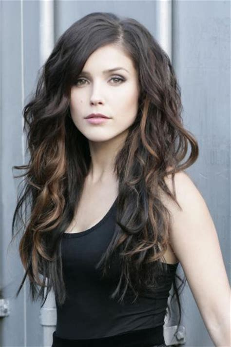hair color trends long dark waves with dip dyelights