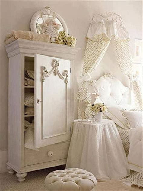 Cute And Simple Shabby Chic Bedroom Decorating Ideas