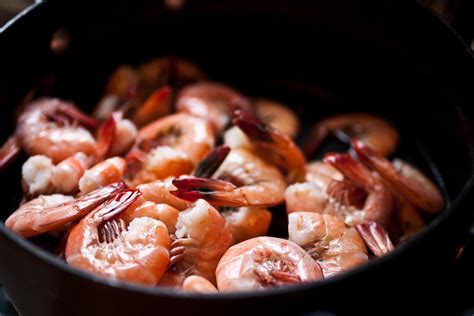 cooking shrimp how to cook shrimp and mistakes to avoid photos huffpost
