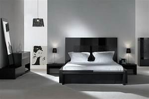 Deco noir et blanc chambre a coucher 25 exemples elegants for Idee deco cuisine avec lit king size
