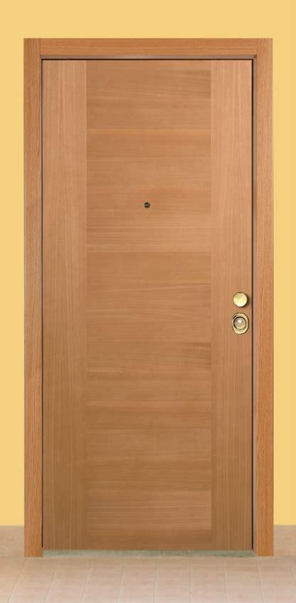 rivestimento porte interne porte interne rivestimento incisi maurizio borri infissi