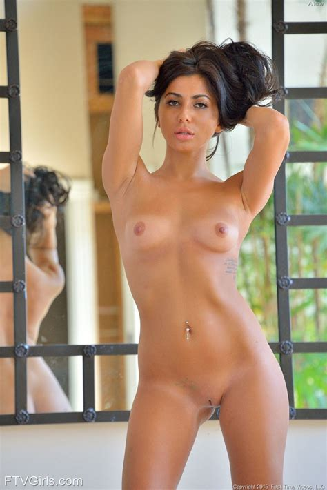 Ariane Lias Discovery First Time Videos 08