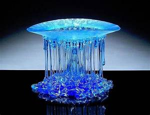 Glass jellyfish sculpture features delicate and dripping for Dripping glass fusion jellyfish sculptures by daniela forti