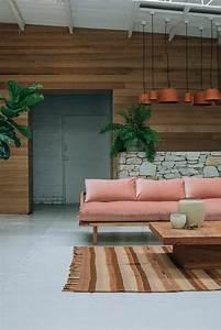 La couleur saumon les tendances chez les couleurs d for Tapis de couloir avec canapé fixe d angle