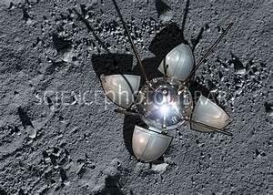 Luna 9 landing capsule - Stock Image C024/7782 - Science ...