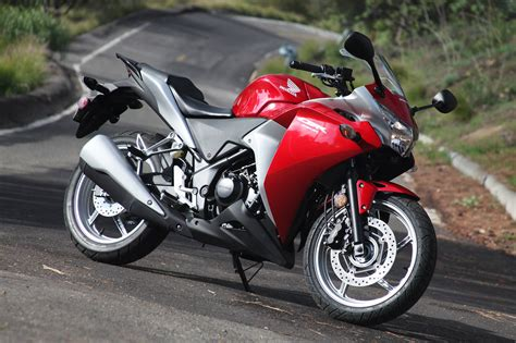 cbr motorcycle price in india honda cbr 250 price specification features in india