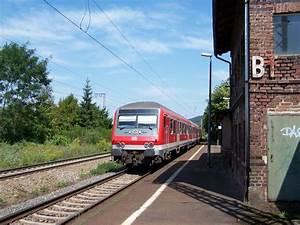 Hamburg Nach Koblenz : rb 81 von koblenz nach trier h lt am im bengler bahnhof als zuglok dient hier 143 ~ Markanthonyermac.com Haus und Dekorationen