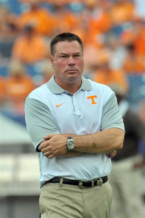 butch jones tennessee teams bear similarities  derek
