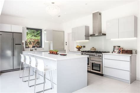 modele cuisines cuisine modele cuisine ouverte avec blanc couleur modele