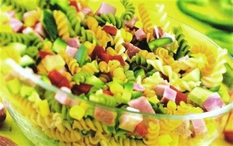 salade de pates originale la recette d salade de p 226 tes multicolores