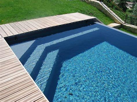 l escalier sur mesure par l esprit piscine escalier d angle sur mesure triangulaire avec