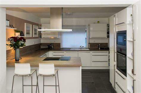 Moderne Küche Mit Sitzplatz