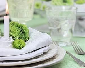 Tischdecken Für Lange Tische : ein k chlein aus reliefgie masse schm ckt die serviette secret gedeckter tisch gedeckter ~ Buech-reservation.com Haus und Dekorationen
