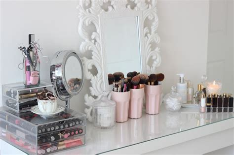 organize  closet  dressing table fashionsycom