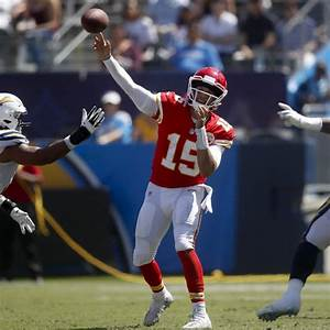 Patrick Mahomes, Tyreek Hill Brilliant as Chiefs Rout ...
