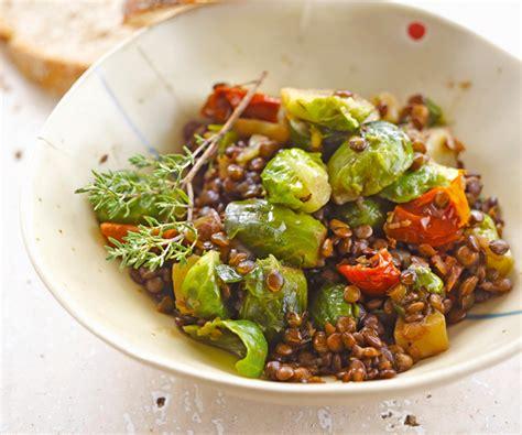 cuisiner le choux de bruxelle plat équilibré lentilles aux choux de bruxelles et aux
