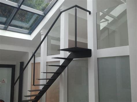 les escaliers en f 251 t atmosphere metallique