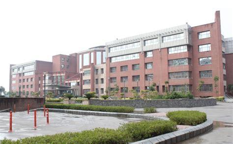 Amity School Of Fashion Technology  [asft], Noida