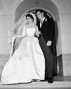 elizabeth taylor designer helen rose silver screen With elizabeth taylor wedding dress