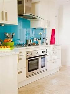 Küche Fliesenspiegel Plexiglas : k chenr ckwand aus glas der moderne fliesenspiegel sieht so aus k chenr ckwand plexiglas ~ Markanthonyermac.com Haus und Dekorationen