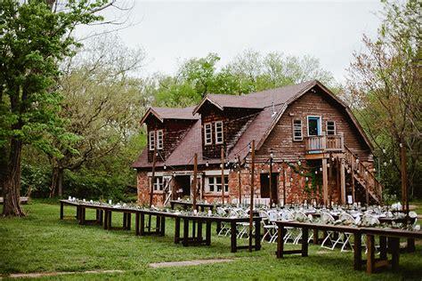 organic outdoor oklahoma wedding   stone barn