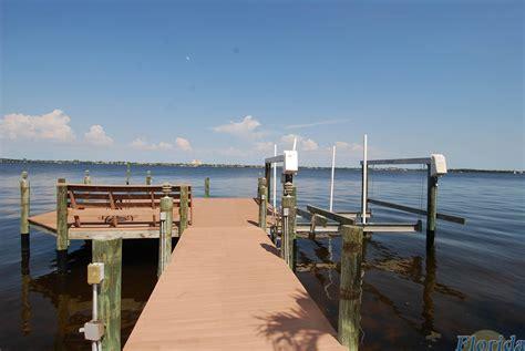 Boat Lift Rentals Cape Coral by Villas Villa River In Cape Coral Florida