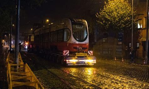 Liepājā ieradies pirmais zemās grīdas tramvajs ...