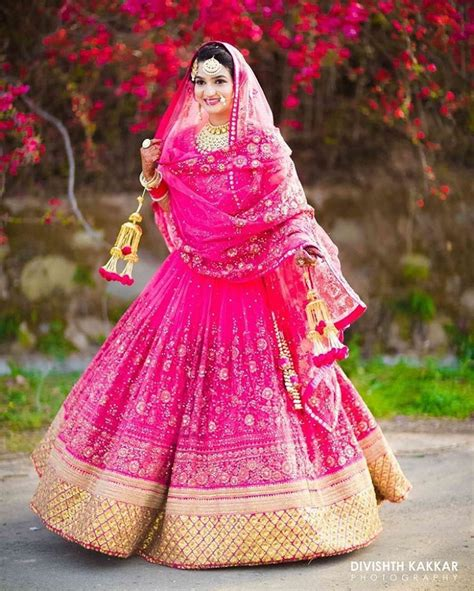 Bridal Lehenga Draping - 12 stylish and modern ways to drape your bridal dupatta