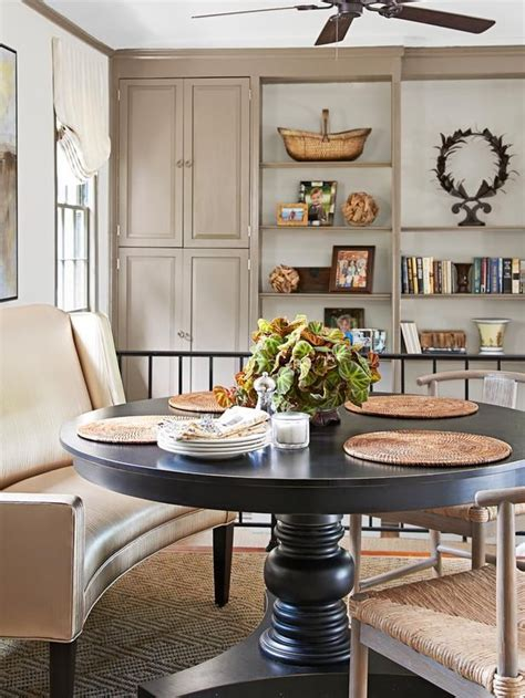 Curved Settee For Dining Table by Best 25 Settee Dining Ideas On Formal Dinning