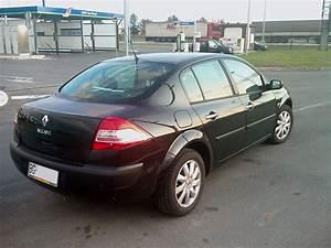 Megane 2008 : file renault megane sedane black ~ Gottalentnigeria.com Avis de Voitures