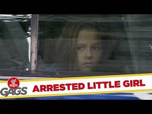 Barefoot Woman Arrested :: VideoLike
