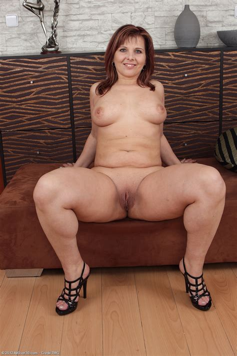 37 Year Old Marie Jeanne Exclusive Milf Pictures From