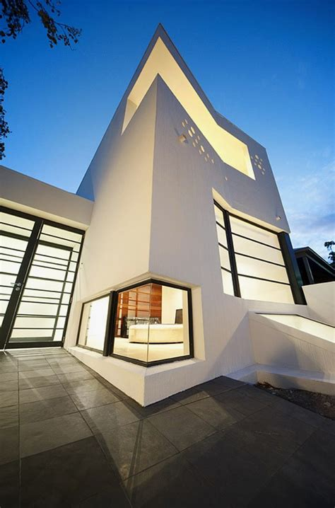 Clean And Contemporary House For Artist  Prahran House