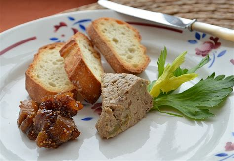 duck liver pate recipe duck liver p 226 t 233 with fig raisin compote