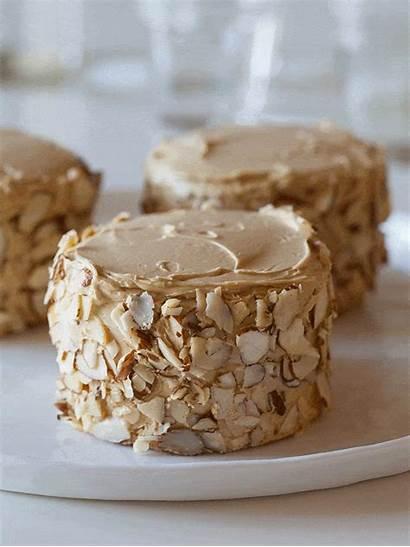 Sponge Coffee Cakes Toasted Buttercream Almonds Cake