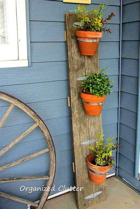 Wall Mount Planter Basket by 25 Diy Reclaimed Wood Projects For Your Homes Outdoor