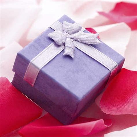 Gift Wrapping  Buffalo Trader Online