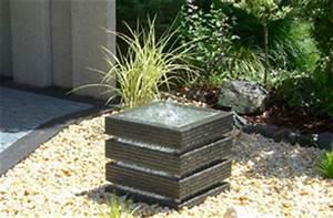 Wasserspiel Für Terrasse : terrasse plus kleine gartenbrunnen f r kleine g rten ~ Michelbontemps.com Haus und Dekorationen