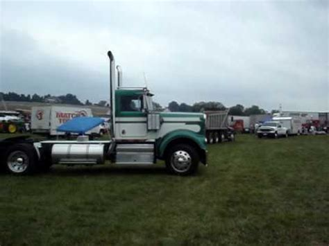 a model kenworth a model kenworth leaving the show youtube