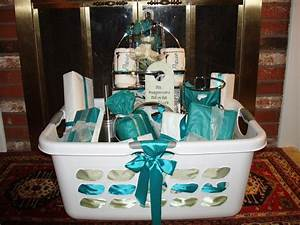 Basket decorating ideas bridal freshness wedding basket for Wedding shower present ideas