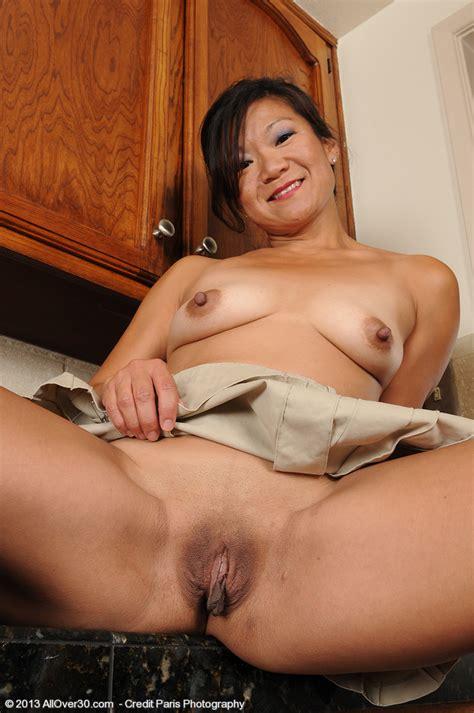 Samantha W Show Off Her Asian Beaver Milf Fox