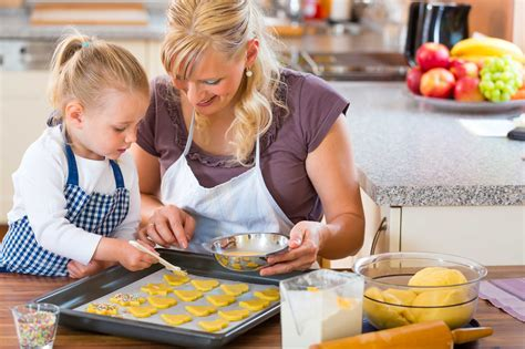 cooking with why you should take cooking classes with your kids