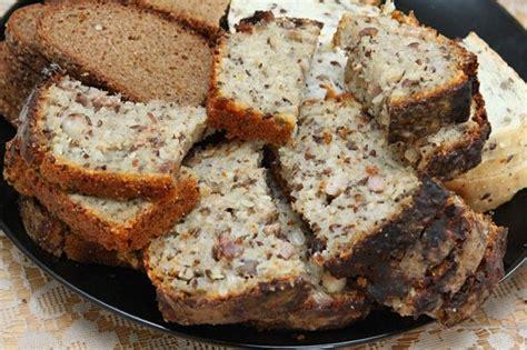 Kviešu un rudzu maize ar sēkliņām | Food, Good food, Maize