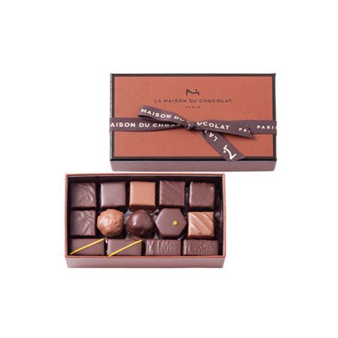 la maison du chocolat coffret de chocolats noir et lait la maison du chocolat