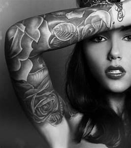 Tatouage Bras Femme Fleur : tatouage astuces de filles ~ Carolinahurricanesstore.com Idées de Décoration