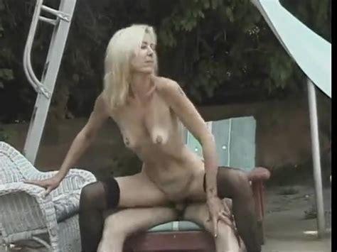 Hot Mature Blonde Cougar Dallas Banging Poolside Porn C0