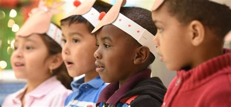 does your child qualify for free preschool 136 | head start preschool new orleans children singing 1200x560